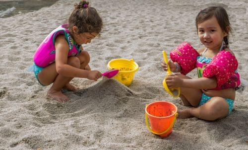 children beach playing