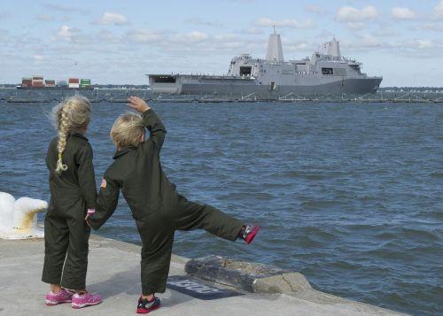 children kids waving