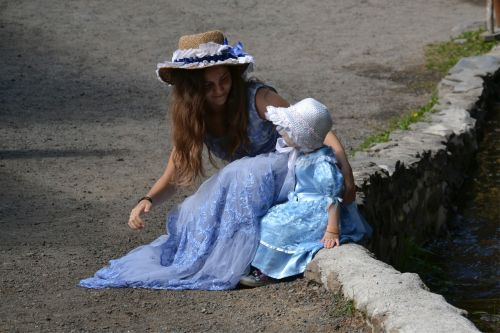 children innocence costumes