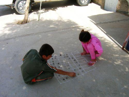 children play road