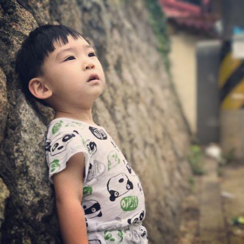 children outdoors portraits