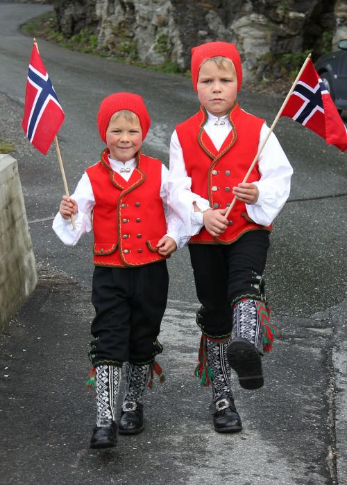 children costume tradition