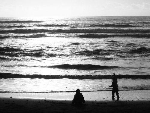 children sea sand