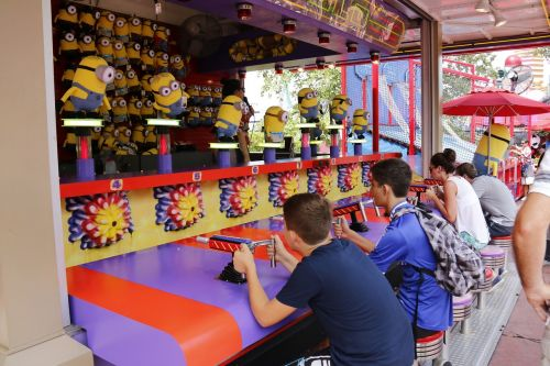 children playing minions amuse