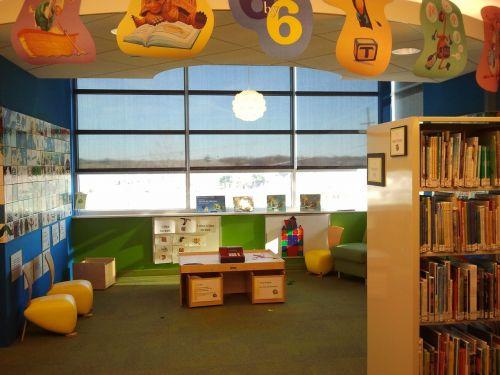 children's library reading children