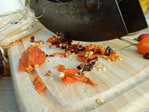 chili dried cut