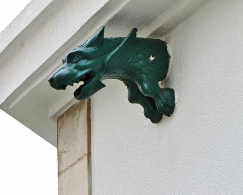 chimera sculpture dragon