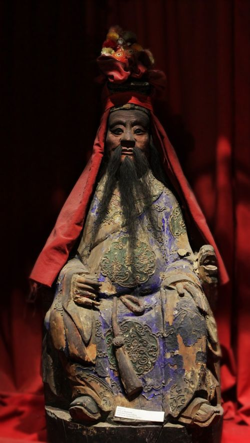 chinese statue god of medicine