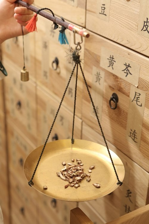 chinese medicine  traditional chinese medicine weighing scales  traditional chinese