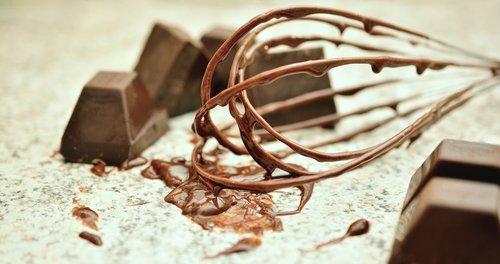 chocolate  whisk  block chocolate