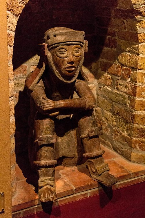 chocolate  statue  museum