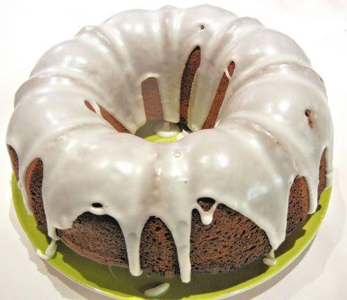 chocolate bundt cake confectioner sugar baked