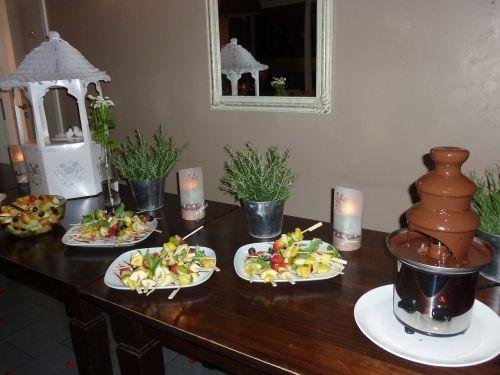 chocolate fountain wedding fruit bars
