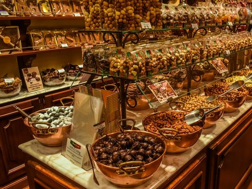 chocolaterie  shop  interior