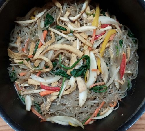 chop suey asian food vegetables