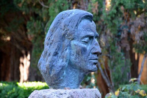 chopin statue sculpture