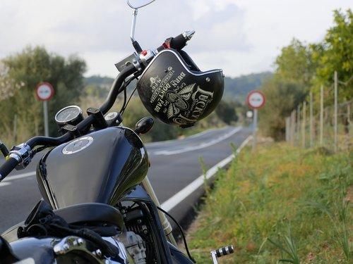 chopper  black  helm