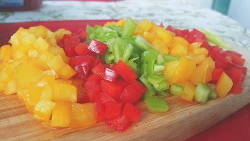 chopping board tomato