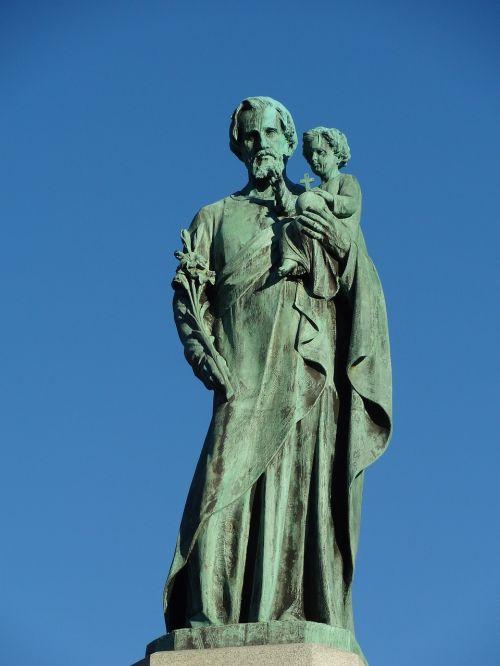 christ jesus statue