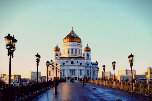 christ the savior cathedral moscow kremlevskaya embankment