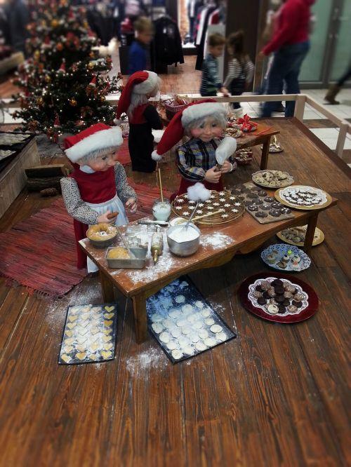 christmas baking christmas elves