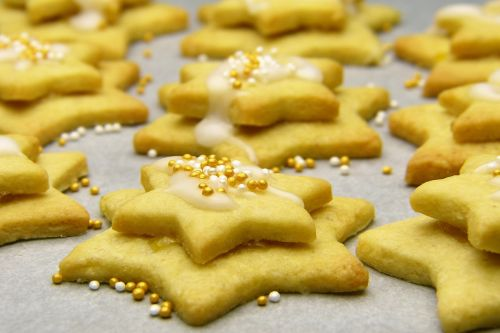 christmas biscuits star icing sugar