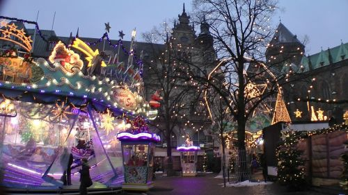 christmas market twilight bude