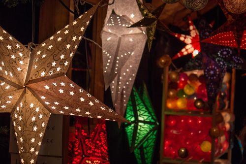 christmas market lighting star