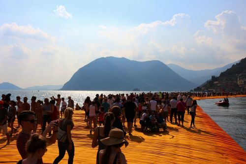 christo floating piers italy