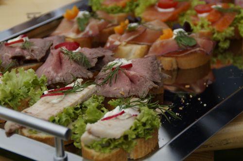 chunks sandwiches eat