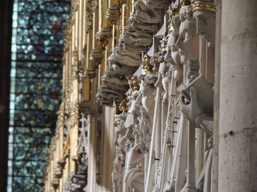 church,cathedral,york,statue,architecture,famous,old,landmark,sculptures,stone,monument,history,religion,historic