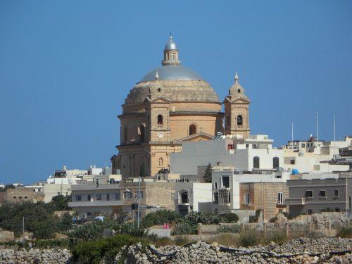church dome malta