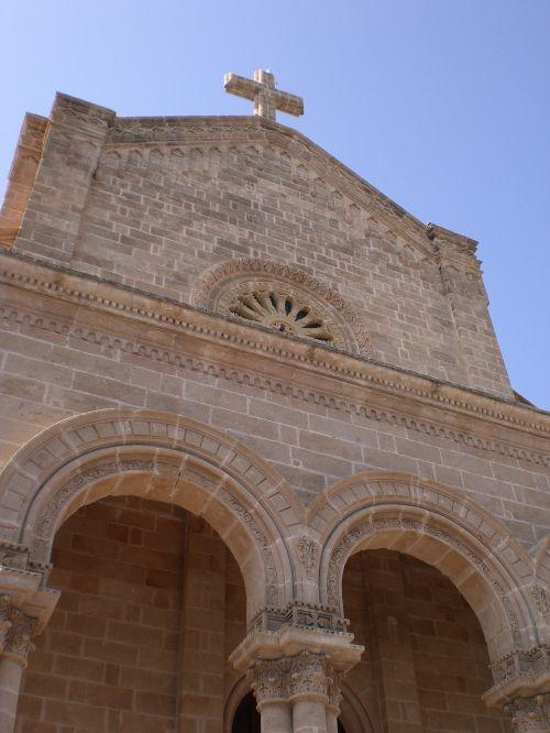 church colonnade archi
