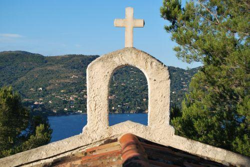 church cross sea