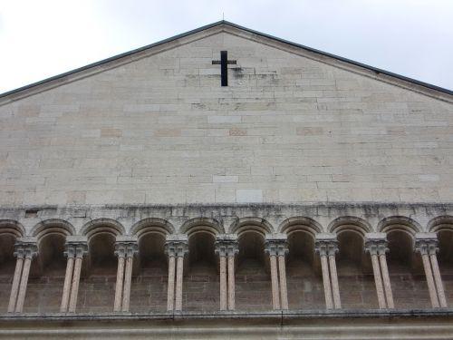 church building arcades