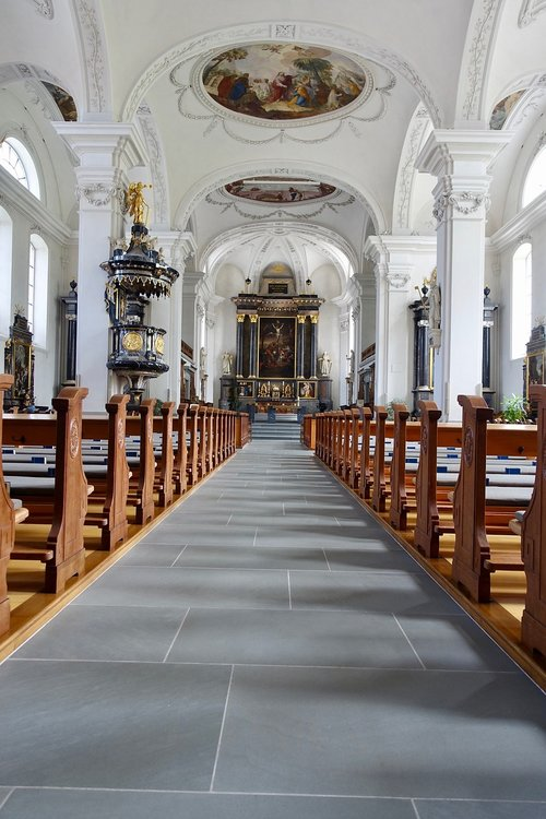 church  seating  cathedral