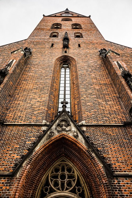 church  believe  architecture