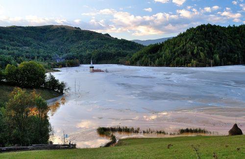 bažnyčia,ežeras,nuskęsta,purvas,gamta,desolate,lauke,žemė,kaimas,ekologija