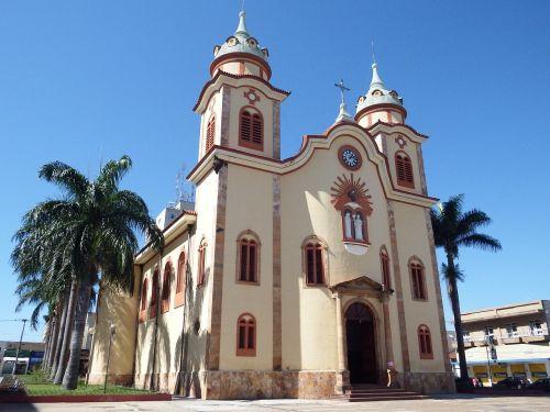church temple religion
