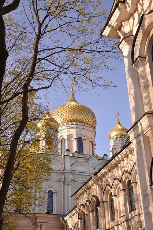church  dome  gold