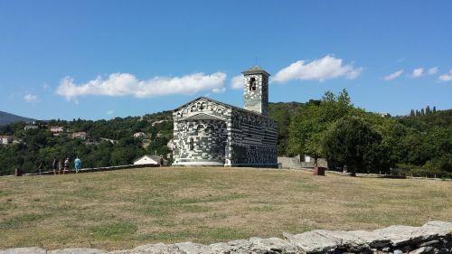 church corse romanesque style