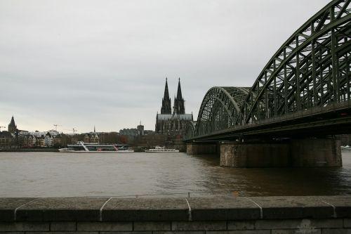 church cologne cathedral bridge