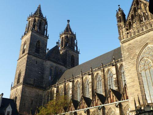 church dom gothic