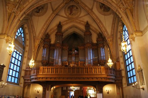 church organs balcony