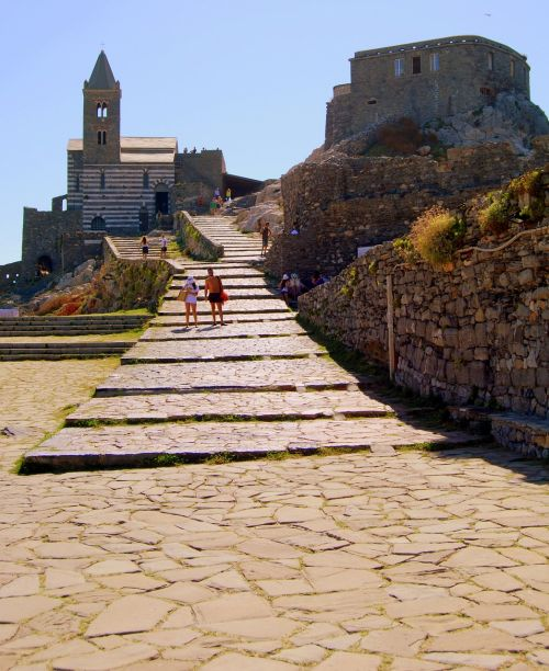 church scale castle