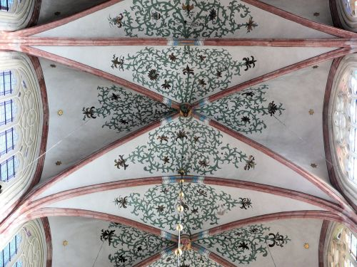 church dakgewelf symmetry