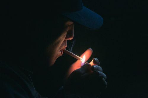 cigar cigarette dark