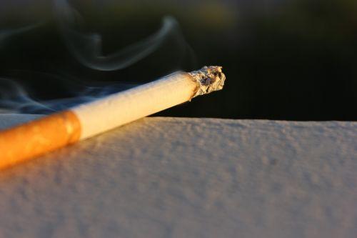 cigarette marlboro tobacco