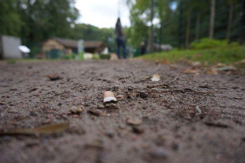 cigarette waste nature