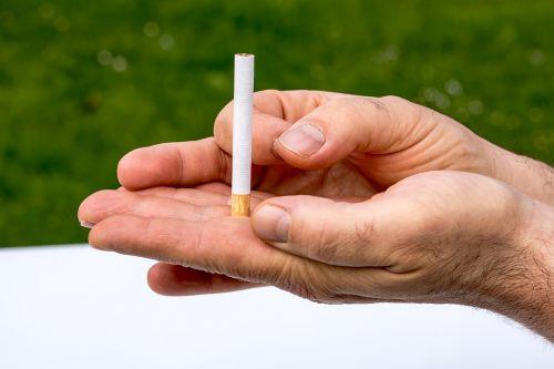 cigarette non smoking hands